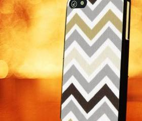 CHEVRON PATTERN WITH GREY PINK - iPhone 4 Case, iPhone 4s Case and iPhone 5 case Hard Plastic Case LZN